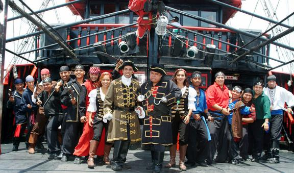 31001_captain-hook-pirates11_tr21.jpg