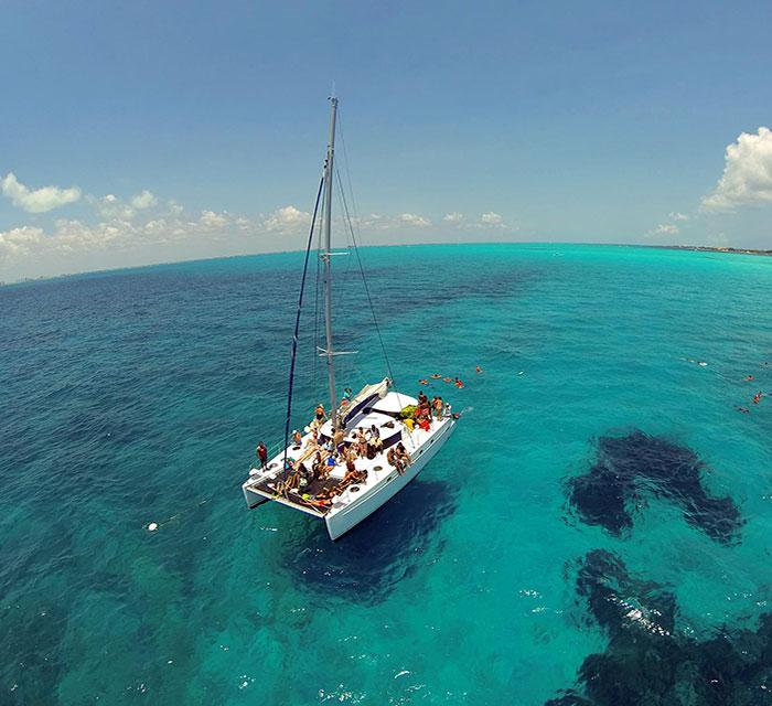 36139_Lady-Caroline-catamaran.jpg