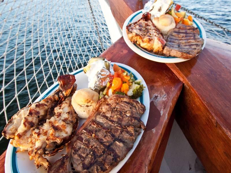 53235_columbus-lobster-dinner-cruise-romance-tour-cancun-1YDO.jpg