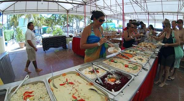 75723_islander-comida-buffet.jpg
