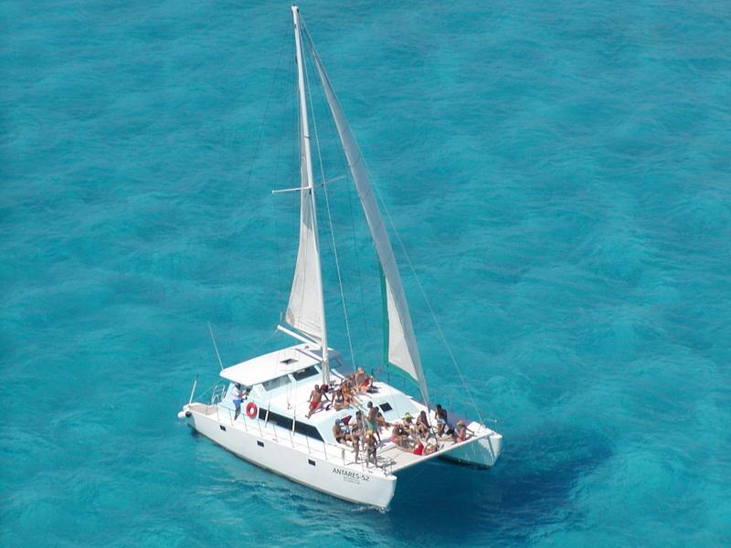 7737_catamaran-42-pies-de-lujo.jpg