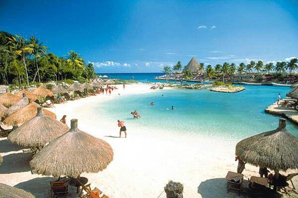 8365_xcaret-beach2.jpg